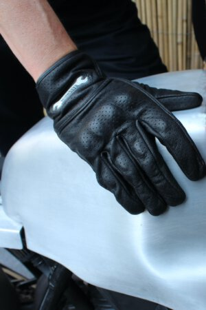 Motorcycle summer gloves – Beat the heat on the street
