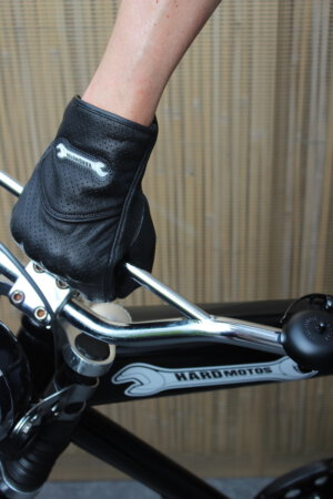Motorcycle summer gloves – Beat the heat on the street