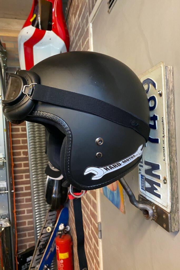 Handmade helmet hangers – unique pieces to safely store your helmet!